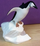 L019 - Chinstrap Penguin