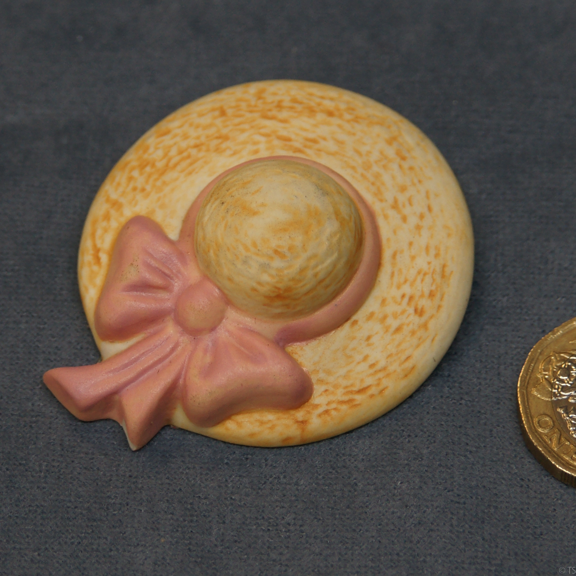 Hat Brooch Pink