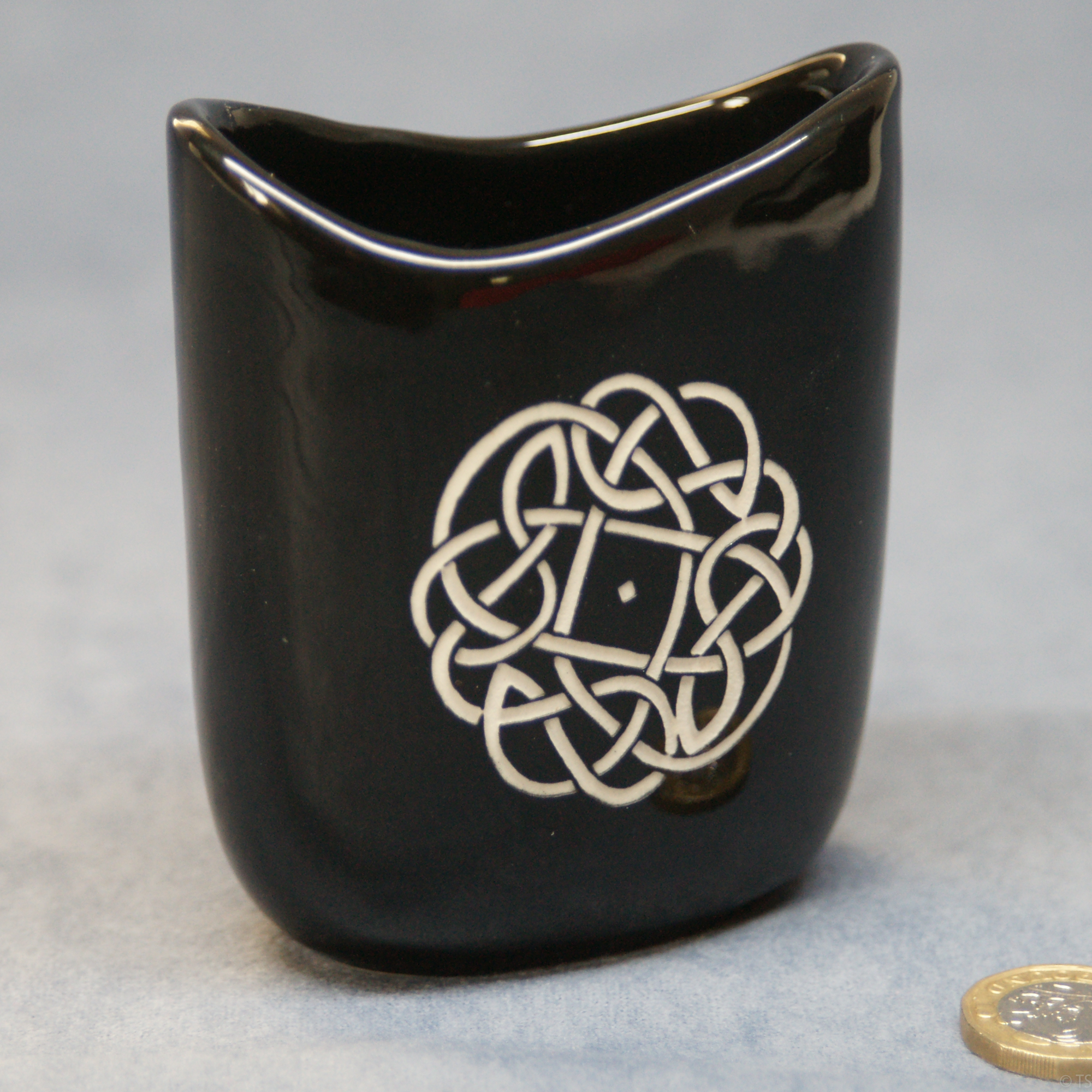 Small Oval Vase Black