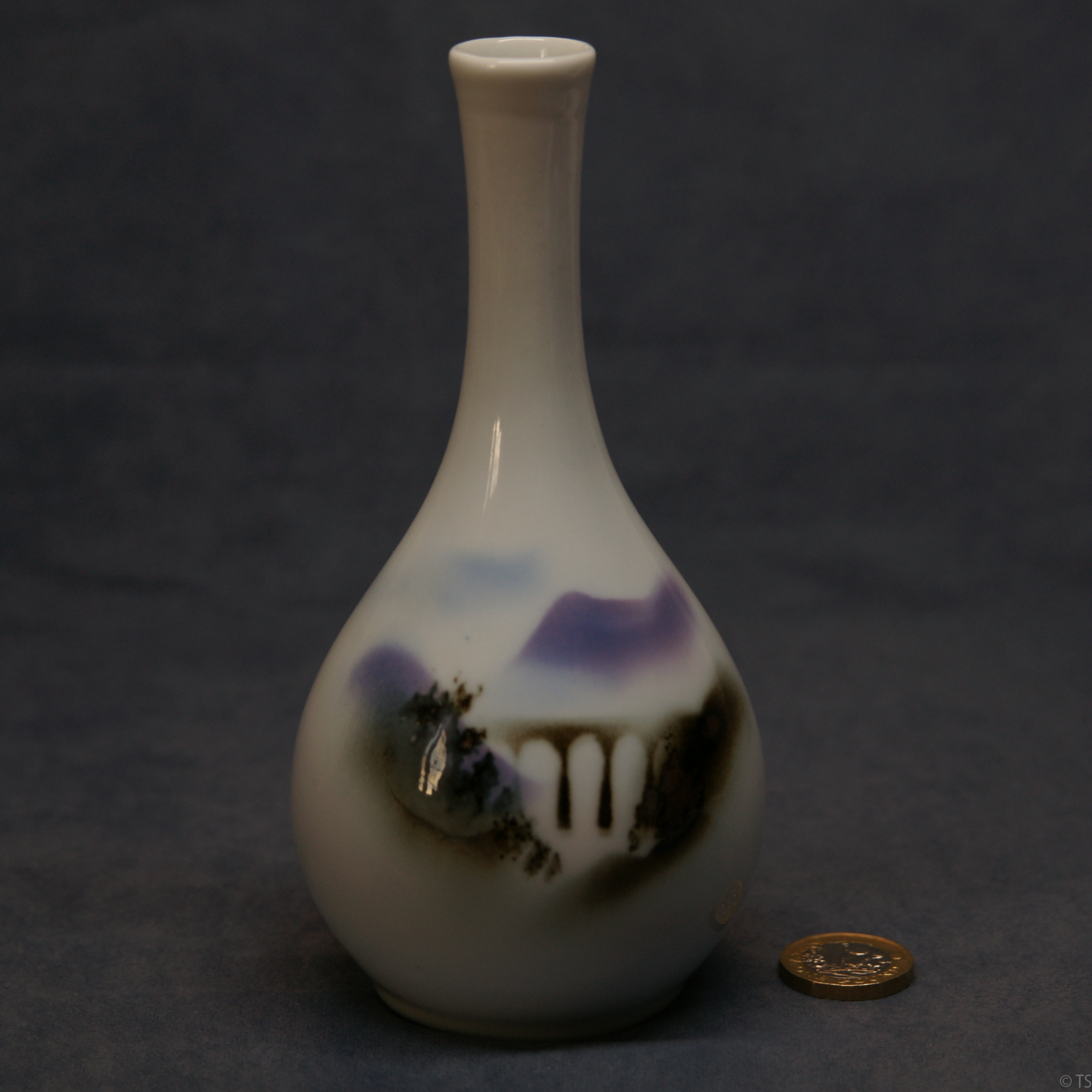 Round Bud Vase Glenfinnan