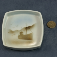 Square Pin Dish Fishing Boat