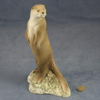 L033 - Large Otter