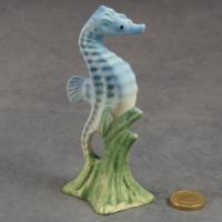 S162 - Medium Seahorse - Blue