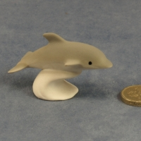 M014 - Diving Baby Grey Dolphin