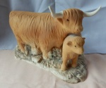 L023 - Large Highland Cow & Calf