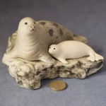 L014 - Grey Seal with Pup
